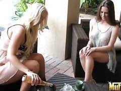 Порно видео кончают на лицо подборка