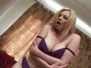 Порно снял зрелую на улице