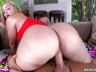 Порно в жопу крупным планом